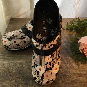 Koi brand nursing shoes. Size 36